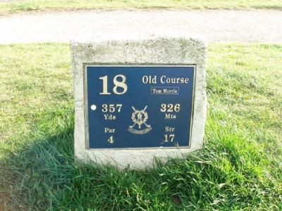Das 18. Loch auf dem Old Course Golfplatz in St Andrews, Schottland