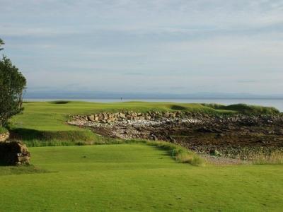 Golfgrün am Meer in Kingsbarns, Schottland