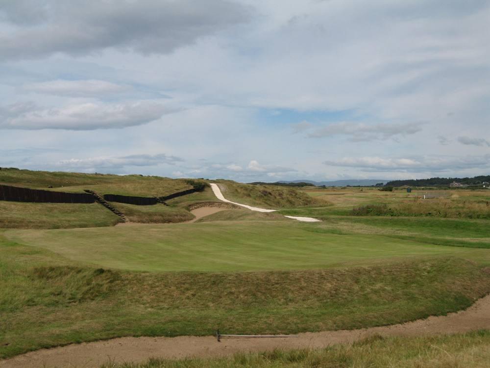 Golfgrün auf dem Prestwick Golfkurs im Südwestern Schottland