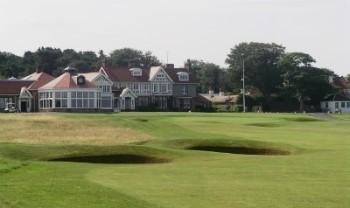 18. Loch und Clubhouse auf dem Muirfield