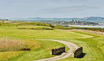 6. Loch auf dem Castle Course mit Blick auf die Altstadt St Andrews